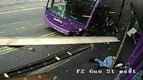 بالفيديو: لحظة اصطدام حافلة برجل ونجاته منها