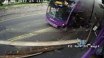 Автобус сбил мужчину, а он встал и пошел в бар
