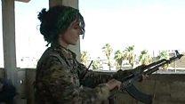 """مقاتلة كردية... """"سنقاتل الدواعش اينما حلو"""""""