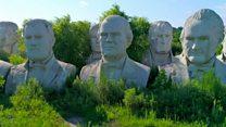 El hombre que guarda los bustos gigantes de 43 presidentes de Estados Unidos en su granja