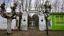 Cómo es un pueblo en Argentina casi abandonado donde solo quedaron majestuosos edificios del siglo XIX