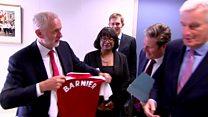 Corbyn presents Barnier with Arsenal shirt