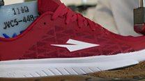 Une chaussure de sport made in Kenya