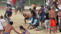 Опасное соседство: взлетавший самолет убил женщину на пляже