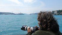 İstanbul Boğazı'ndan geçen savaş gemilerini gözleyen adam: Yörük Işık