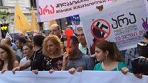 Марш у Тбілісі: антиросійські гасла і погрози опонентів