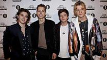 پرفروشترینهای موسیقی بریتانیا: از آلکساندر اونیل تا گروه ومپس