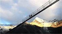 В Швейцарии открыли 500-метровый подвесной пешеходный мост