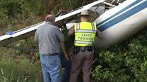 У Техасі біля автостради впав літак