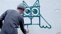 A criativa solução de artistas alemães para esconder pichações de suásticas