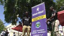 """Somalie: la """"bibliothèque humaine"""" pour briser les stéréotypes"""
