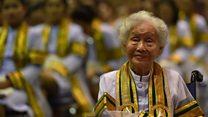 """""""ไม่มีคำว่าสายถ้าเราจะเรียน"""" คติพจน์ของ """"บัณฑิตยาย"""" วัย 91 ปี"""
