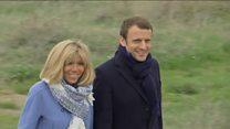 """En France, polémique autour du statut de """"Première Dame"""""""