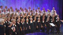 Côr Pensiynwyr dros 60 oed a dros 20 mewn nifer (31) / Pensioners Choir over 60 yrs and over 20 members (31)