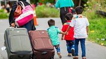 カナダ国境に殺到する移民たち 米国から毎日数百人