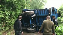 Sat nav blunder leads to lorry overturning