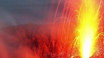 La femme qui escalade les volcans