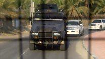 بي بي سي تدخل بلدة العوامية في السعودية برفقة قوات الأمن