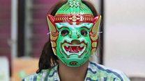 Las máscaras que ayudan a las mujeres a hacerse tests vaginales en Tailandia