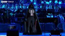 Darth Vader orkestra yönetti