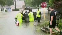 تگزاس در انتظار باران بیشتر؛ توفان هاروی هزاران نفر را از خانههایشان بیرون کرد