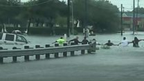 Human chain rescues man from flood