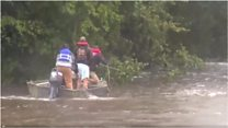 Спасение в Техасе: волонтеры вытащили утопающего
