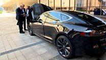 Лукашенко хочет свой электромобиль