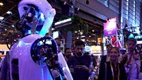 ثلاثة ابتكارات جديدة خاصة بالدراجات الهوائية كاميرات المراقبة وروبوتات خاصة للمسنين