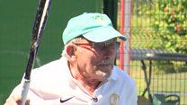 As dicas de boa forma de um tenista de 93 anos