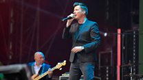 Rick Astley - Never Gonna Give You Up (Radio 2 Live in Hyde Park 2017)