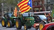 Tractor convoy backs Catalan independence