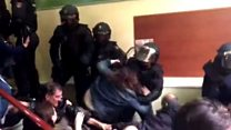 Police violently tackle voters