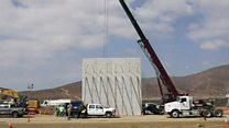 ظهور أولى نماذج جدار ترامب الحدودي مع المكسيك
