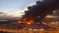 Blaze engulfs shopping centre in Moscow