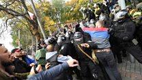 Clashes outside Ukraine parliament