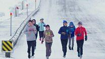Alunos enfrentam 'maratona' no Ártico para ter aulas com 'melhor professora do mundo'