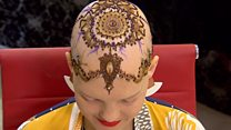 Henna crowns 'make women feel beautiful'