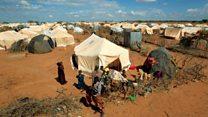 UNHCR oo dhimeysa kharashka ku baxa xeryaha qaxootiga Dhadhaab