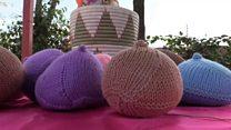 Kenya: un groupe de tricotage qui aide les survivants du cancer du sein