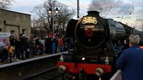 Crowds turn out to see Flying Scotsman