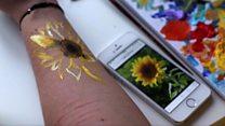 """""""Я малюю квіти на руці замість ран"""""""