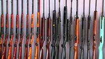 افغانستان برای سلاح سبک مجوز صادر میکند