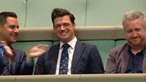 澳洲议员在同婚合法化辩论中求婚