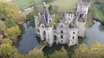 6,500 people buy crumbling castle