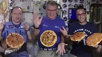 بيتزا بالجبنة والبيبروني في محطة الفضاء الدولية لأول مرة