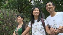 Jovem adotada por americanos reencontra pais biológicos na China após 20 anos