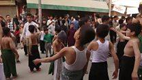 चरमपंथियों की वजह से घरों में क़ैद शिया मुसलमान