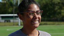 États-Unis: elle poursuit son école en justice