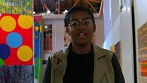 นักเรียนผิวสีฟ้องโรงเรียนหลังถูกเอาเรื่องเพราะไม่ยอมยืนปฏิญาณต่อธงชาติสหรัฐฯ
